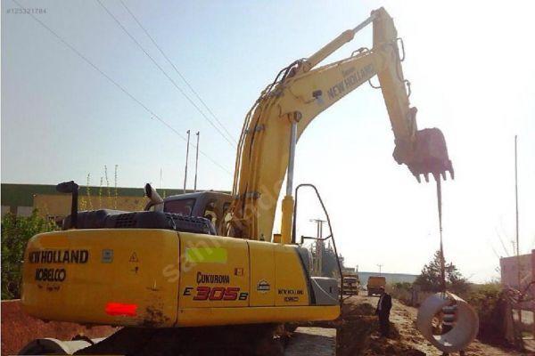 New Holland E305B