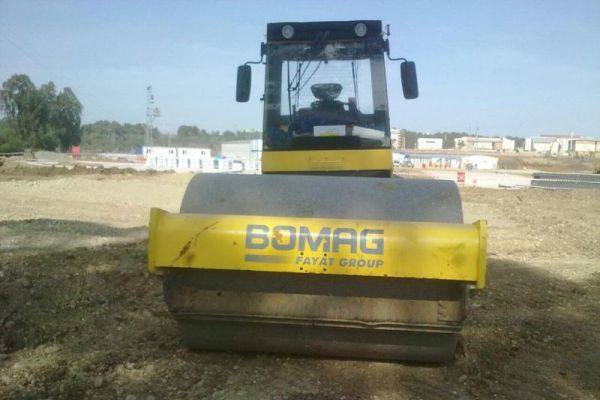 BOMAG BW213 D-4